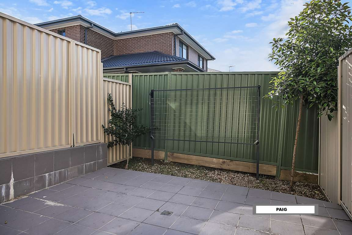 Townhouse Tenanted For Sale Girraween