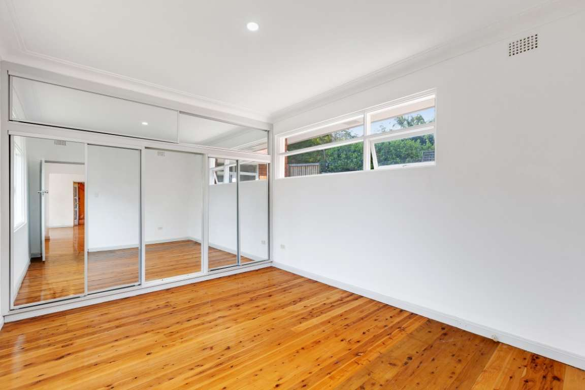 Large Home Large Land & Perfectly Located In Turramurra