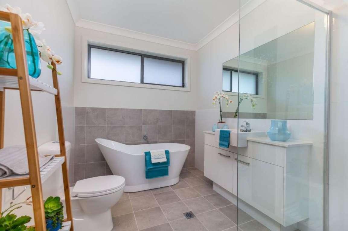 Seventh Avenue Estate Austral